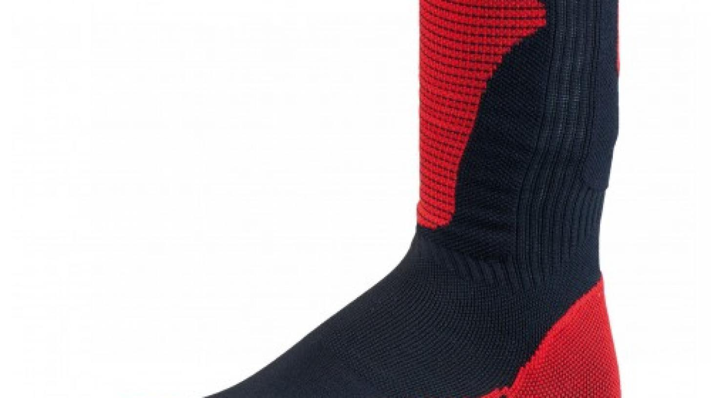 SOCKS BLACK RED 500x500